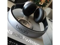 Beats by Dr. Dre Solo2 headphones - Space Grey - brand new/sealed with receipt