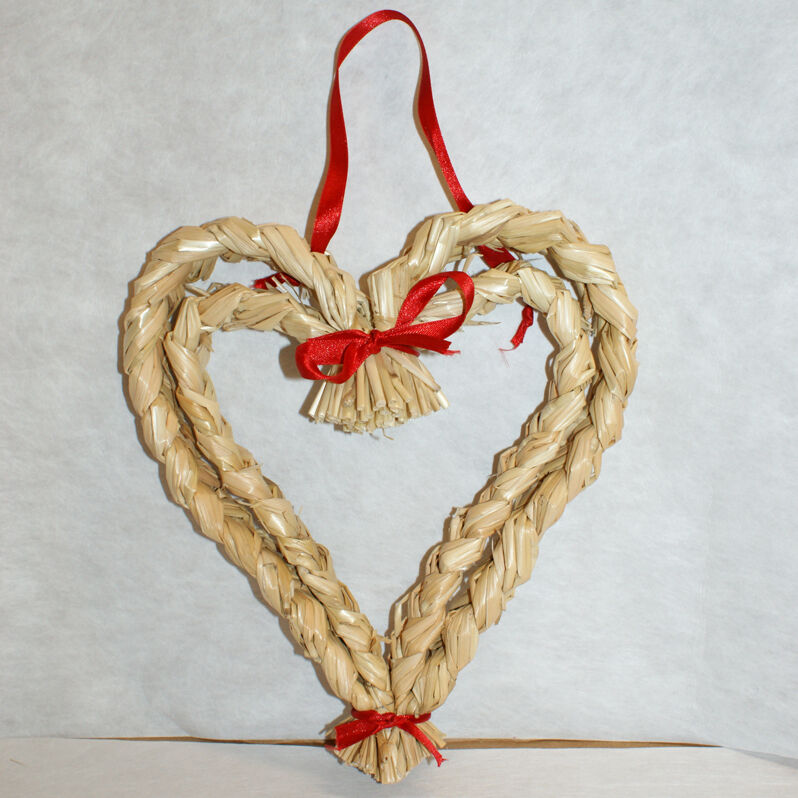 Scandinavian Danish Norwegian Swedish Straw Christmas Heart Wreath 10 inch #135