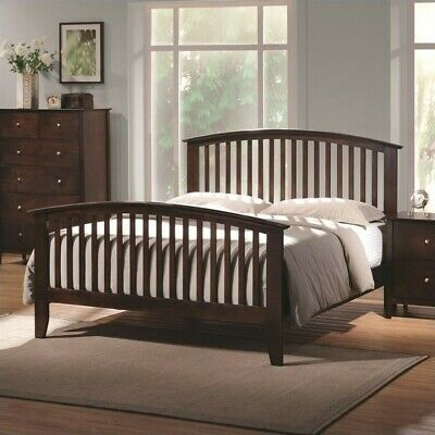 Coaster Tia Queen Spindle Bed in Warm Cappuccino
