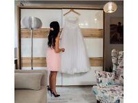 white WEDDING DRESS princess style