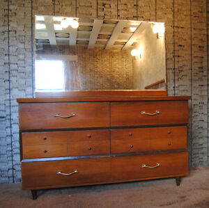 wood bedroom dresser with mirror
