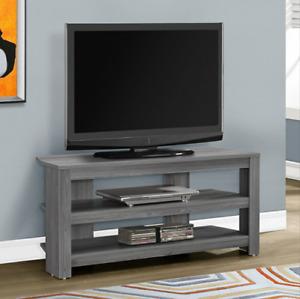 À VOIR!!! 3 tables de salon + 1 meuble pour télévision