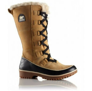 Selling 3 Womens Sorel boots! Never worn. Size 6 & 5.5