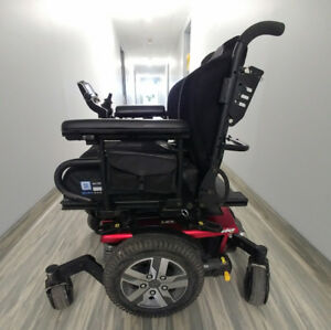 2016 Pride Mobility Quantum Edge 2.0 Electric Wheelchair