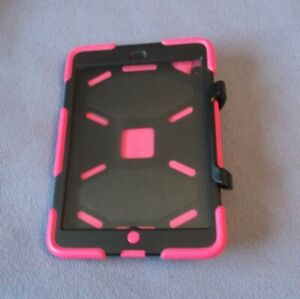 Griffin Survivor Case for iPad Mini 1/2/3 with Stand Pink/Black