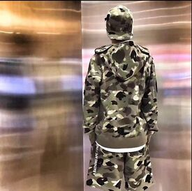 [NEW] Bape x Undefeated Hoody --- S size
