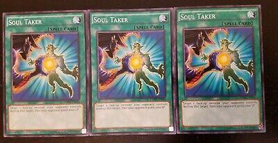 *** 3x Soul Taker x3 *** Yugioh DEM2-EN016 Common Staple Playset - NM](Soul Taker)