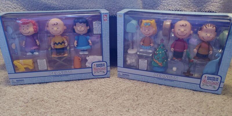 A Charlie Brown Christmas Figurines - Set of 2