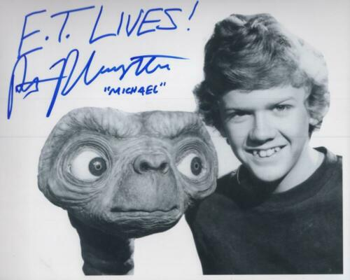ROBERT MACNAUGHTON ET LIVES MICHAEL SIGNED 8X10 PHOTO W/ COA - $34.99