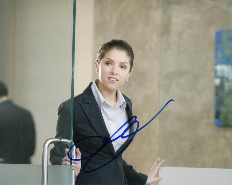 ANNA KENDRICK SIGNED 8X10 PHOTO AUTHENTIC AUTOGRAPH UP IN THE AIR COA B