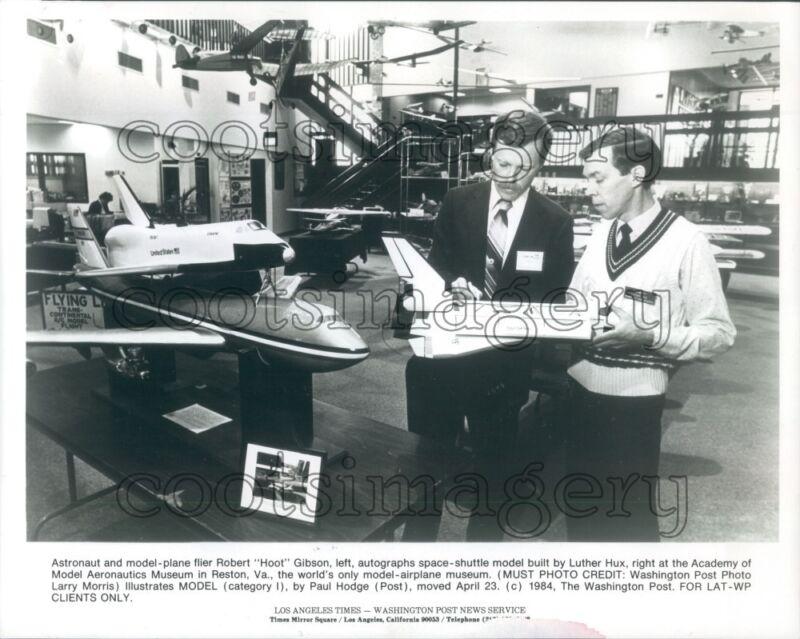 1984 Astronaut Robert Hoot Gibson Luther Hux Space Shuttle Models Press Photo
