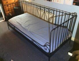 METAL FRAMED DAY BED