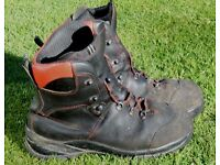 Oregon Chainsaw boots - Size 43 (9)