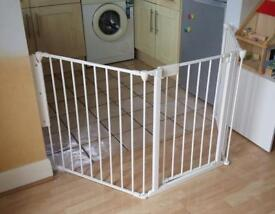BabyDan BabyDen adjustable stair gate/ hearth guard 90- 223cm
