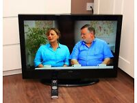 """FANTASTIC 32"""" TV, HDMI, built in FREEVIEW, remote, etc !!! EXCELLENT CONDITION !!!"""