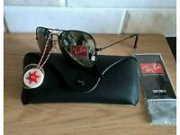 Rayban aviator sunglasses. New in case