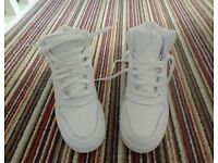 Nike Leather Hightops, size 5.5 only worn twice, I bought them hoping they would fit, size 6.