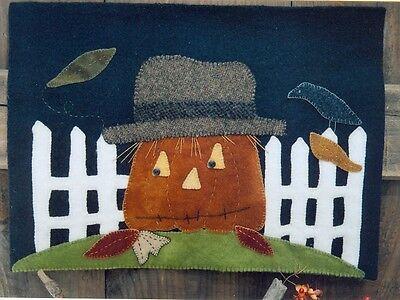 PRIMITIVE WOOL APPLIQUE PENNY RUG PATTERN CROW PUMPKIN SCARECROW HALLOWEEN - Halloween Wool Applique Patterns