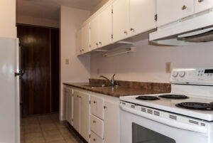 Great Location with a 1 bedroom/balcony unit for Oct. 15th!
