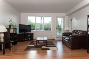 Bright, spacious 2 bdrm w/ open-concept+balcony available OCT!
