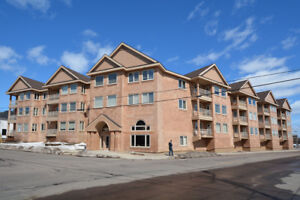 DOWNTOWN LIVING!!--UNDERGROUND PARKING INCLUDED--MUST SEE!!