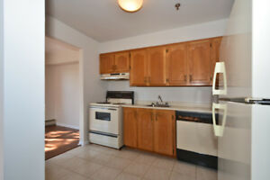 Spacious 3 Bedroom in Great Family Area, Just $1295!