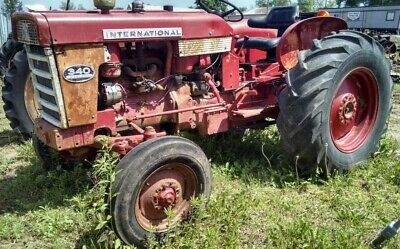 International 340 Utility Tractor