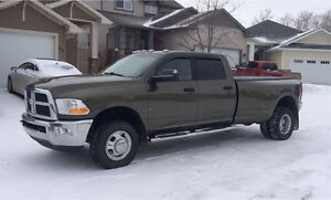 2012 Dodge 3500 slt automatic 4x4 dually