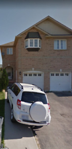 4 Bedrooms Semi Detached House Available for Rent in Brampton