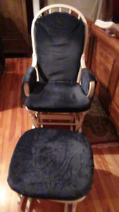 Glider chair and glider footrest