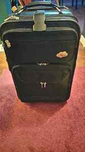 Skyway Black Travel Luggage – 5 Compartments Kitchener / Waterloo Kitchener Area image 3