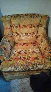 Older flower print couch and chair Windsor Region Ontario image 1