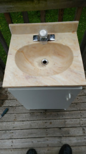 Small bathroom Vanity with sink and Faucet