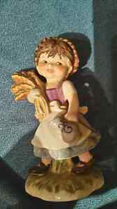 WHEAT GIRL HUMMEL FIGURINE - MINT CONDITION