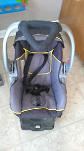 Nice infant car seat and base for sale