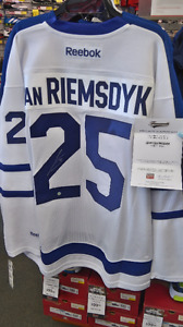 Autographed James van Riemsdyk with letter of authenticity