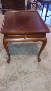 End Table Mahogany Wood with Queen Anne Legs