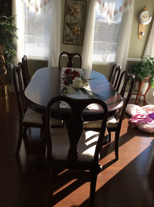 Beautiful dining room set for sale