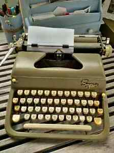 Vintage Simpson's Deluxe Manual Typewriter