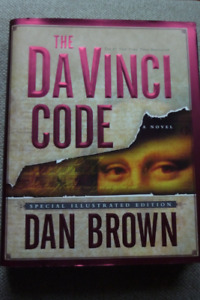 THE DAVINCI CODE HARDCOVER IN MINT CONDITION