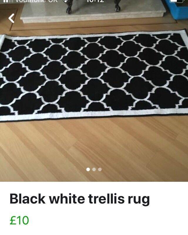 Black White Trellis Rug 150x80 In Tonyrefail Rhondda