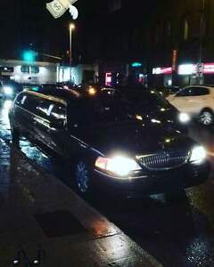 2009 Lincoln Town Car Limousine Sedan