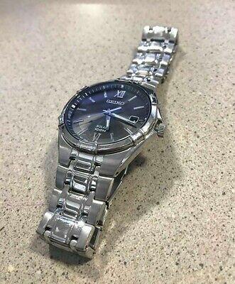 Seiko Solar V157-OMAO Men's Stainless Steel Watch