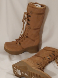 Woman's BRAND NEW Suede Tan Winter Boots