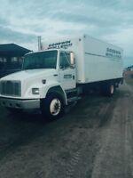 2002 business class freight liner truck