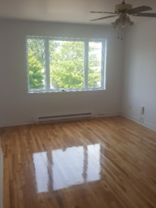 5 1/2 a louer / for rent @ Lasalle