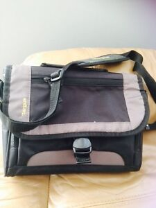Targus iPad, small laptop bag
