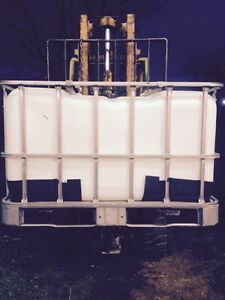 Now AVAILABLE RARE 500 liter water totes