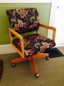 Vintage Adjustable Chair in Casters, Computer Chair