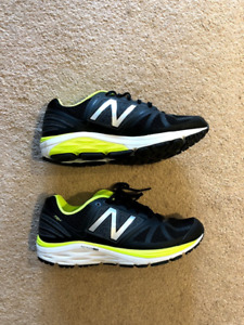 Men's New Balance Running Shoe - Size 8